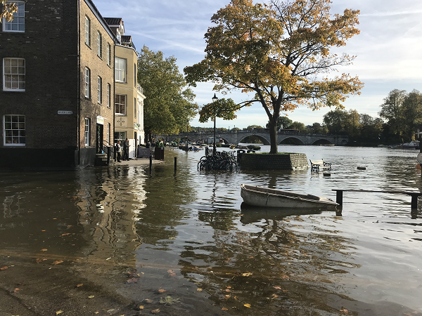 Flooding on the Thames Path